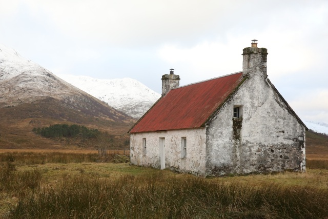 The Athnamulloch bothy in Glen Affric will soon be renovated in a partnership between Trees for Life and Forestry Commission Scotland).