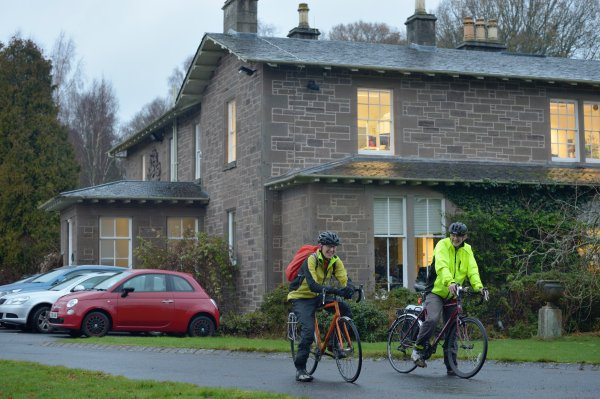 Climate heroes: staff cycle to work, Image credit: Lorne Gill/SNH