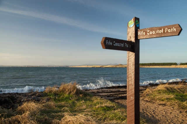 The coastal path at Earlsferry. ©Fife Coast and Countryside Trust