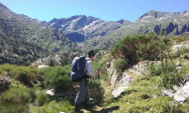 Heading towards the survey site near La Gallina.
