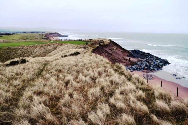 Montrose dunes have eroded since 1890s and erosion is now at 2m per year, threatening one of the oldest golf courses in the country. (©J.Hansom 2016)
