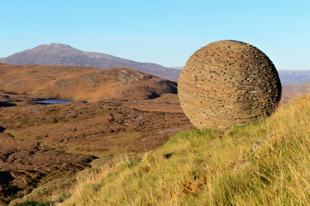 Rock sculpture beside the trail at Knockan Crag NNR. ©Lorne Gill/SNH