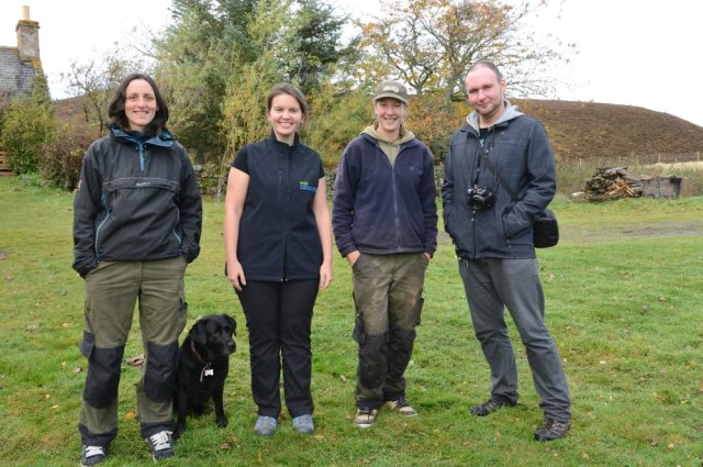 Lynn, Kirsten, Sandra and Steven with Olive the black lab. ©Lorne Gill/SNH