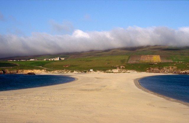 The St.Ninians Isle tombolo, Shetland. ©Lorne Gill/SNH