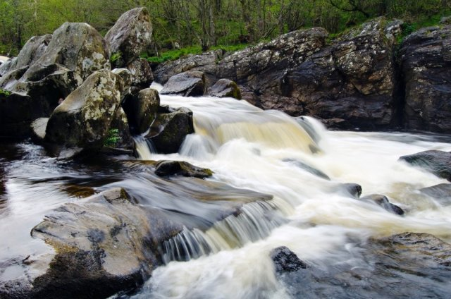 Waterfalls at Rumbling Brig on the River Braan, Dunkeld ©Lorne Gill/SNH.