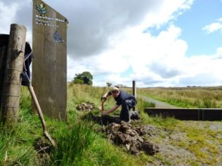 Changing signs at Blawhorn Moss NNR.