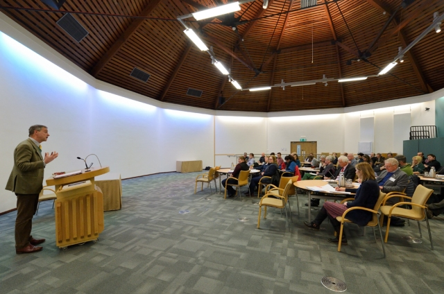 Speaking at the National Access Forum and Local Access Forums Meeting ©Lorne Gill/SNH