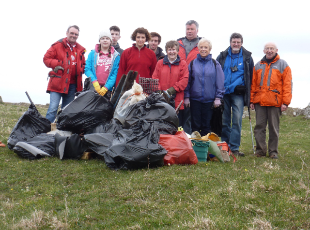 ACP - beach clean © Ayr Rotary Club