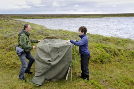 A younger Fergus erecting a black-throated diver hide at Forsinard Flows NNR, © Lorne Gill/SNH