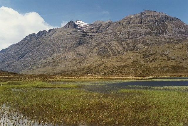 800px-Loch_an_Iasgair,_Glen_Torridon_-_geograph.org.uk_-_686645