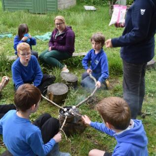 Iona afterschool nature club ©Emilie Brignall