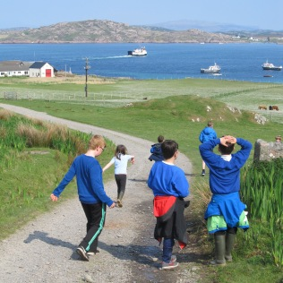 Iona children nature walk ©Emily Wilkins
