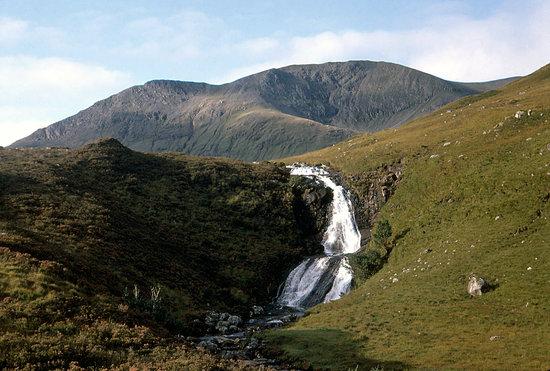 waterfall-near-loch-ainort